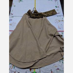 Women's One Size East 5th Beige Fleece Cape/Poncho